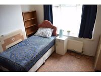 Double room in Tooting Bec. Available from 15/10