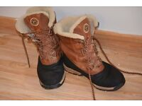 Mens size 8 Rockport Winter/ Snow Boots. Used in good condition