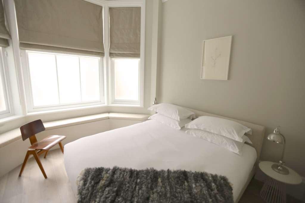 1 bedroom flat in Wellbeck Street, Marylebone, W1G