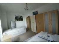 TWIN/DOUBLE AVAILABLE IN SWISS COTTAGE
