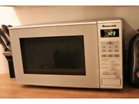 Panasonic NN-E281 Compact Microwave, 20 L - Silver