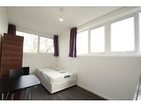 Studio flat in Pacific House, Vale Road, Stamford Hill, N4