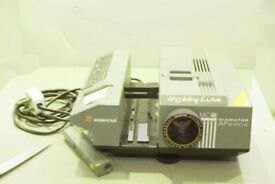 35 mm Slide Projector with slide holders for apperox 2500 slides also remote control