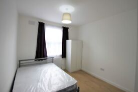 First Floor Studio Flat to Rent - Brand New - Ideal for Professionals - Near Station and Amenities