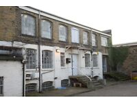 Live work unit to rent in N16 area, Beautiful 2900 sq ft space with 4 rooms, in converted warehouse