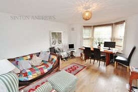 2 bedroom flat in Churchfield Road, Ealing, W13