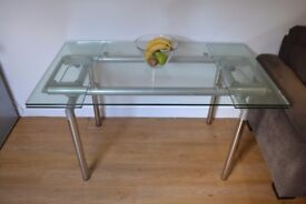 10mm thick, contemporary glass dinning table, 5ft x3ft, 1400x 800, extendable to 7ft, 2000 mm