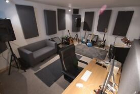 SW19 Sound Proofed Music Production Studio - ACHIEVE YOUR CREATIVE GOALS