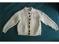 Girl's 100% wool sweater (very good condition)