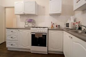 TOO GOOD TO BE TRUE BUT *YES* ITS TRUE!!!!! £100 A WEEK DOUBLE/SINGLE ROOMS AVAILABLE ASAP