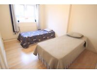 LARGE TWIN ROOM TO RENT IN CHARK FARM GREAT LOCATION MOMENTS AWAY FROM THE TUBE STATION.