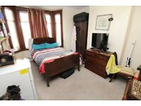 A Large Double Bedroom To Rent In South Croydon