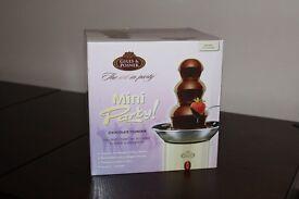 Giles & Posner Creme Mini Chocolate Fountain
