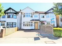 5 bedroom house in Sydney Grove, Hendon, NW4
