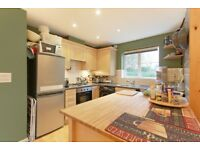 Modern Two Bedroom + Two Bathroom Flat by Burgess Park