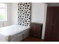ROMFORD RM1, DOUBLE BEDROOM, FURNISHED, BILLS AND WIFI INC, CLOSE TO STATION AND SHOPPING CENTRE,