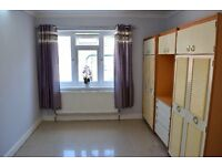 SPACIOUS LIVING - SUPERB 2 DOUBLE BEDROOM GROUND FLOOR MAISONETTE - NORTHOLT - UB5 - TRANSPORT LINKS