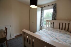 Quiet good size dble room overlooking garden, £550, 15 mins to stn, 25 mins to Victoria zone 3