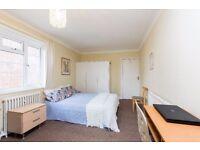 BRIGHT DOUBLE BEDROOM IN KILBURN