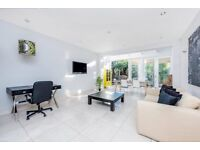 Brand Newly Refurbished 4 Double Bedroom Mews House Clapham North £900pw
