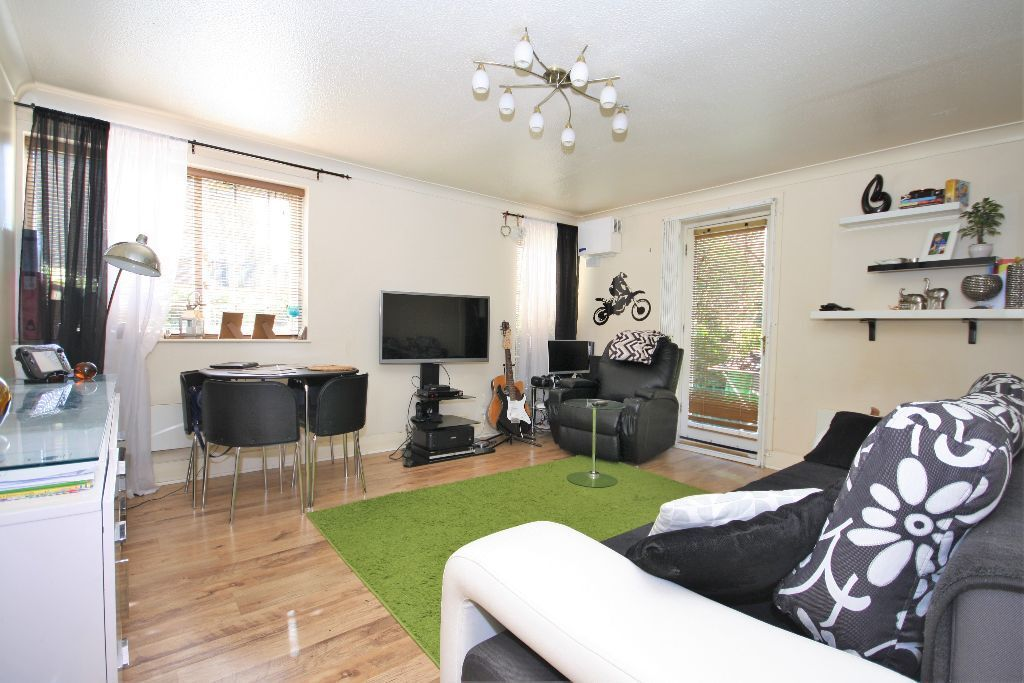 Superb one bedroom flat in Rotherhithe
