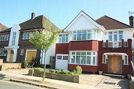 5 bedroom house in Highfield Gardens, Golders Green, NW11