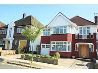 5 bedroom house in Highfield Gardens, Golders Green, NW11