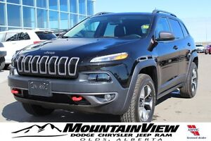 2016 Jeep Cherokee Trailhawk ONLY 2800 km!