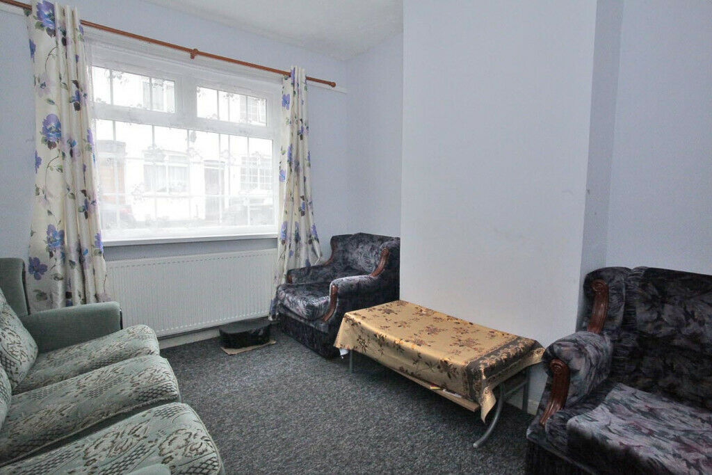 Stupendous 3 Bedroom House For Rent In Luton Located At Lu4 8Nf Unfurnished Low Rent Cheap In Luton Bedfordshire Gumtree Home Interior And Landscaping Pimpapssignezvosmurscom