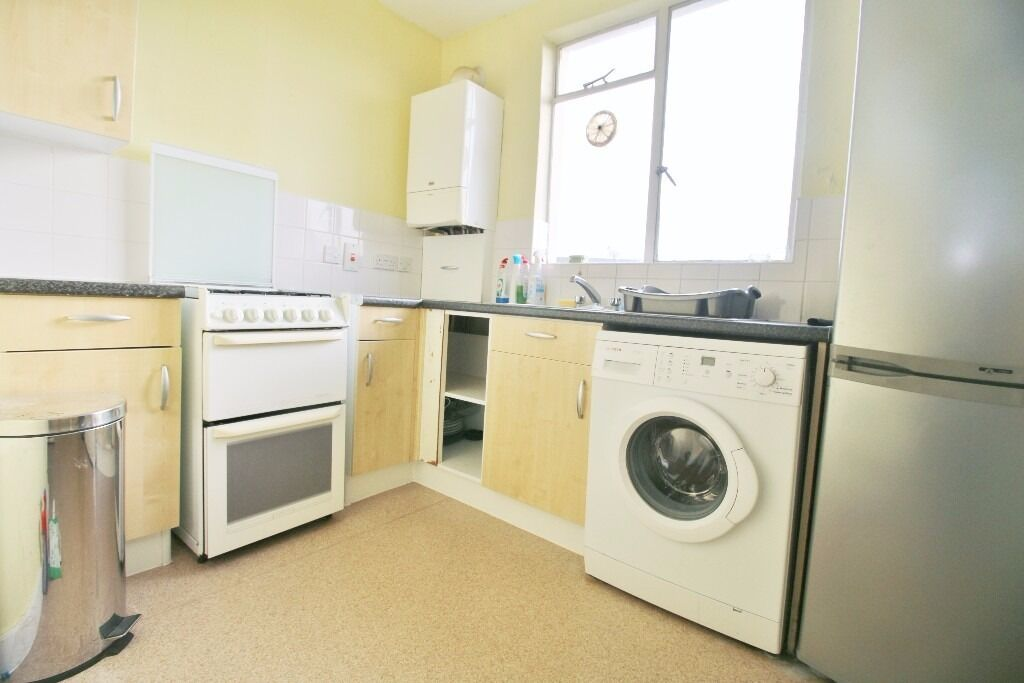 ***CURRENTLY UNDER REFURBISHMENT*** 1/2 BEDROOM ON CAEDMON ROAD, HOLLOWAY N7 ***