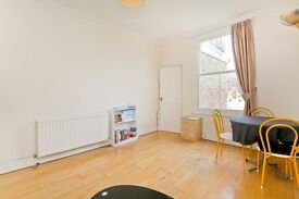 *Stunning* Spacious & characteristic 2 Bedroom Apartment set within a striking Period House* N7