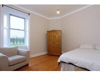 Lovely room in very nice flat overlooking quiet park in a good central location
