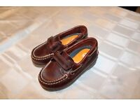 Timberland Boys Dress Shoes (size 6)