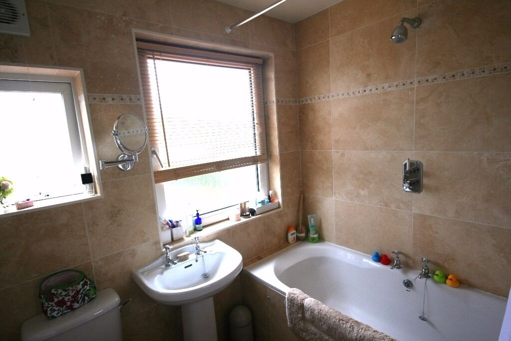 "(COUPLES)Brilliant 1 bed flat in a desirable part of Tulse Hill. Its a must see """"OFFERS"""""