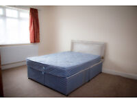 A simply stunning 4 bedroom Semi-detached house found in Hounslow TW3 is available to rent.