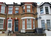 Larger than average, first floor one double bedroom flat in the heart of Finchley Central, N3