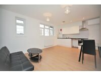 1 bedroom flat in Crest Court, The Crest, Hendon, NW4