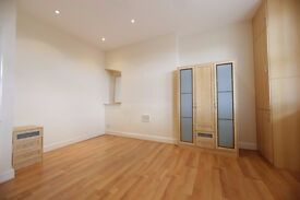 Large One Bedroom Above Shops on Edgware High Street