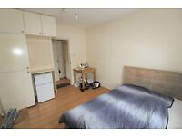 Room to Rent In Wood Green, N22 5NA, London