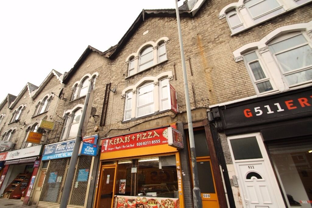 Furnished 2 Bedroom Flat with Kitchen/Living Area Close to Seven Sisters Victoria Line & Manor House