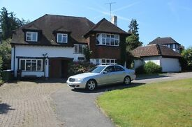 Stunning Four bedroom detached house to rent in Hadley Wood!