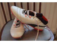 Puma One Football boots (Size 8)