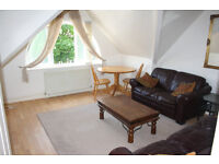 LOVELY MODERN 2 DOUBLE BEDROOM TOP FLOOR FLAT, LOCATED RIGHT BY HAMPSTEAD HEATH & GOLDERS HILL PARK