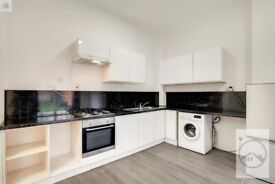SW16 6AF - GLENEAGLE ROAD - A STUNNING GROUND FLOOR ONE BED FLAT WITH COMMUNAL GARDEN