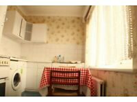 Beautiful Large Studio Flat including Bills. ! 2 mins walk from station! Best Area. Private Landlord