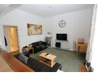 CR1-Spacious, Bright, Airy ONE BED FLAT with Kitchen, Bathroom & Outside Living Space- Islington, N1
