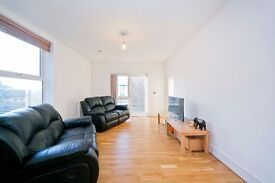 2 DOUBLE BEDROOM, 2 BATHROOM, LARGE OPEN PLAN LOUNGE WITH ROOF TERRACE! MOMENTS FROM KENTISH TOWN!