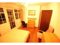 Superb Room at Wapping/Tower Hill-Low Deposit-Balcony-All bills Included-WIFI-Cleaning service