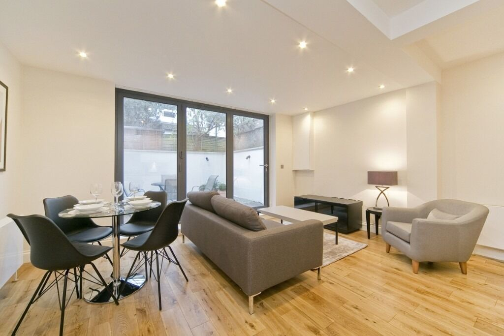 A stunning recently refurbished one double bedroom lower ground floor flat, Dawes Road, SW6