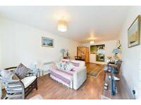 Immaculate 1bedroom apt on the 3rd floor Island Garden with Concierge, Sauna, Pool, Parking - VB
